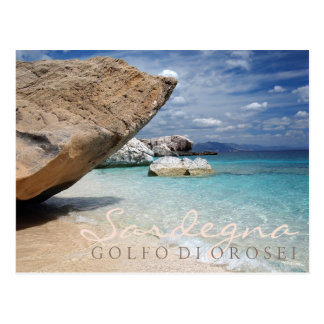 Sardinien-Strand mit großer Felsentextpostkarte Postkarten