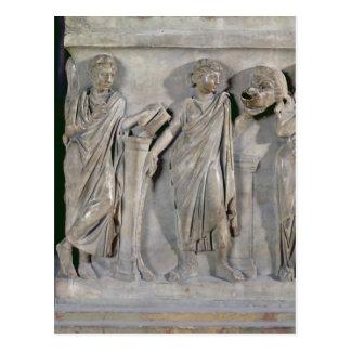 Sarkophag der Musen, Detail von Clio u. Postkarte