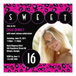 Sassy Leopard-16 Geburtstag-Foto laden ein Rosa Personalisierte Einladungskarte