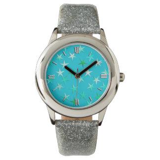 Satinsterne, blasses es-grün und Blau auf Türkis Uhr