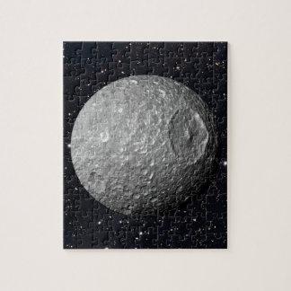 Saturn-Mond Mimas sternenklarer Himmel Puzzle