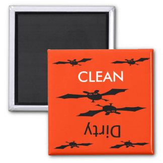 Säubern Sie schmutzigen Halloween-Schlägerspülmasc