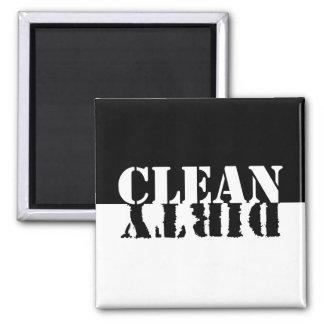 Säubern Sie schmutzigen Spülmaschinen-Magneten Magnets