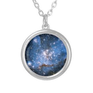 Säuglings-Sterne des Nebelfleck-NGC 346 - Hubble Versilberte Kette