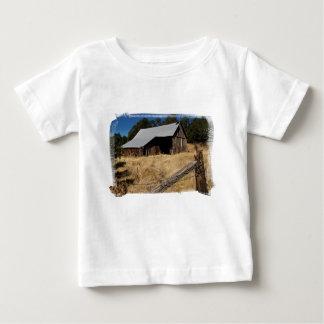 Säuglings-T - Shirt der Scheunen-458