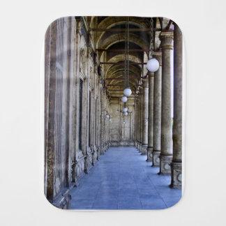 Säulengang der Sultan-Ali-Moschee in Kairo Baby Spucktuch