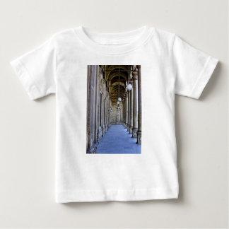 Säulengang der Sultan-Ali-Moschee in Kairo Baby T-shirt