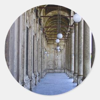 Säulengang der Sultan-Ali-Moschee in Kairo Runder Aufkleber