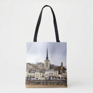 Saumur Fluss-Bank-Szene ganz über Tasche