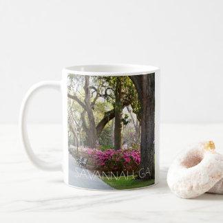 Savanne-Georgia-Azaleen im Frühjahr Forsyth Park Kaffeetasse