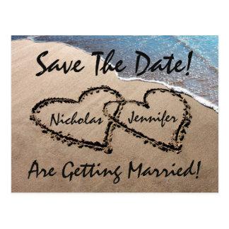 Save the Date Herz-Sand-Strand-Hochzeits-Postkarte Postkarte