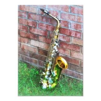 Saxophon gegen Ziegelstein Karte