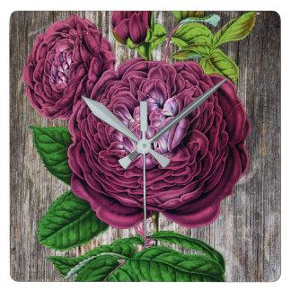Scarlet-Rose auf Holz Quadratische Wanduhr