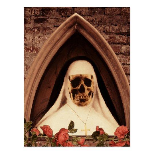 Scary Nun Postkarte