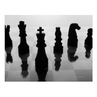 Schachstücke auf Schachbrett in Schwarzweiss Postkarte