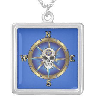 Schädel-Kompass Halskette Mit Quadratischem Anhänger