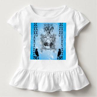 Schädel mit Krähe und Blasen Kleinkind T-shirt