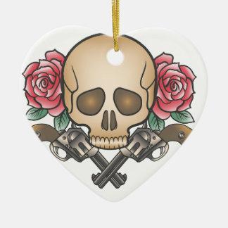 Schädel mit Vintagen Gewehren und Blumen Keramik Ornament