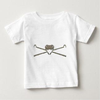 Schädel und Crosshooks Baby T-shirt