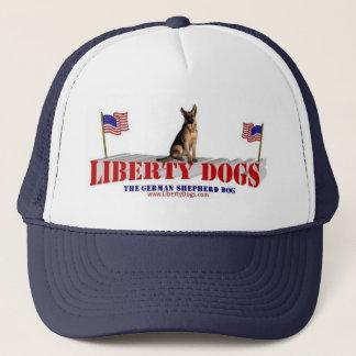 Schäferhund mit Flaggen Truckerkappe