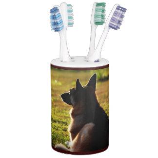 Schäferhund-Zahnbürste-Halter u. Seifen-Zufuhr Seifenspender