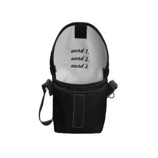 Schaffen Sie den einfachen Ausdruck mit drei Kurier Taschen