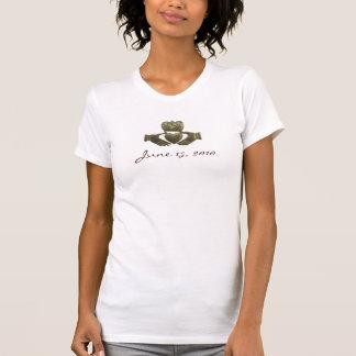 Schaffen Sie Ihr eigenes Goldiren claddagh T-Shirt
