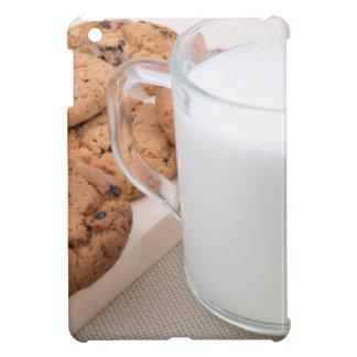 Schale mit Milch- und Hafermehlplätzchen iPad Mini Hülle