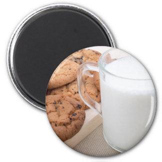 Schale mit Milch- und Hafermehlplätzchen Runder Magnet 5,7 Cm