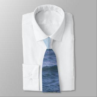 Schatten der blauen Ozeanthemakrawatte Krawatte
