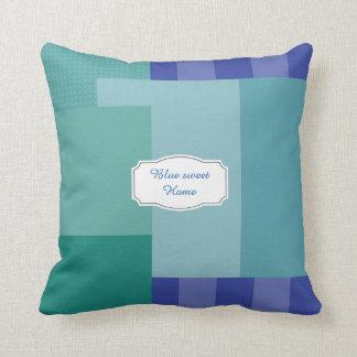 Schatten des Blaus in den squares&rectangles Kissen