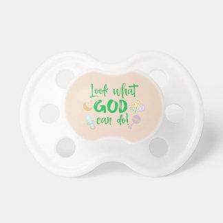Schauen Sie, was Gott Zitat tun kann Baby Schnuller