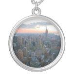 Schauen Süd von der Spitze des Felsens New York Halskette Mit Rundem Anhänger