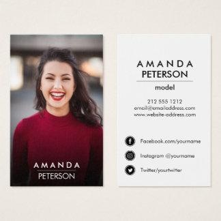 Schauspieler modelliert visitenkarte