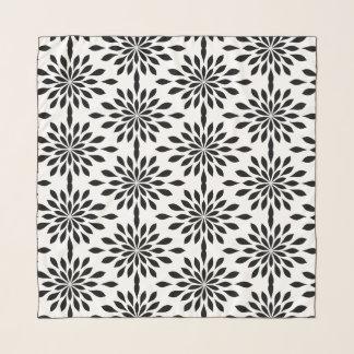 Schicker geometrischer Entwurf, schwarz auf weißem Schal