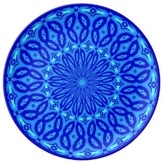Schickes Aqua und blaue Kaleidoskop-Glühen-Mandala Porzellanteller