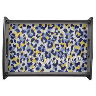 Schickes buntes blaues gelbes Geparddruckmonogramm Tablett