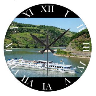 Schiff auf dem Rhein bei Oberwesel Große Wanduhr