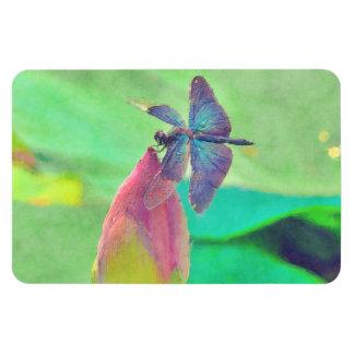 Schillernde blaue Libelle auf Wasserlilie Magnet