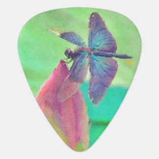 Schillernde blaue Libelle auf Wasserlilie Plektrum