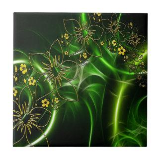 Schimmernde grüne Fraktale der gelben Blumen Keramikfliese