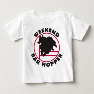 Schipperke-Agility-Wochenenden-Bar-Trichter Baby T-shirt