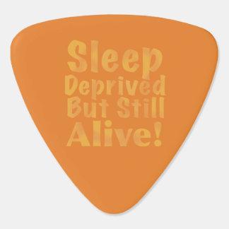 Schlaf beraubt aber noch lebendig im Gelb Plektrum