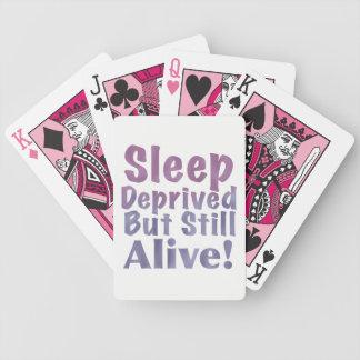 Schlaf beraubt aber noch lebendig in den bicycle spielkarten