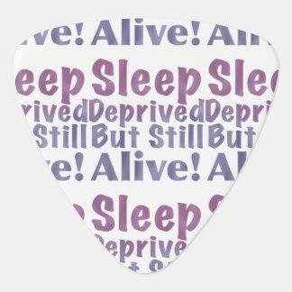 Schlaf beraubt aber noch lebendig in den plektrum
