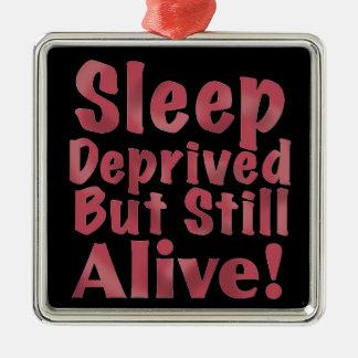 Schlaf beraubt aber noch lebendig in der Himbeere Silbernes Ornament
