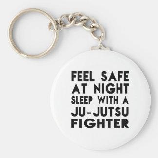 Schlaf mit Ju-Jutsu Kämpfer-lustigen Entwürfen Standard Runder Schlüsselanhänger