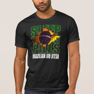 Schlaf ohne Pillen - BJJ Flaggen-Grafik T T-Shirt