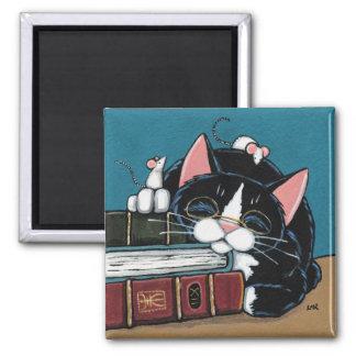 Schlafenbücherwurm-Smokings-Katzen-und Mäusemalen Quadratischer Magnet