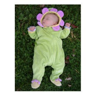 Schlafendes Blumenbaby Postkarte